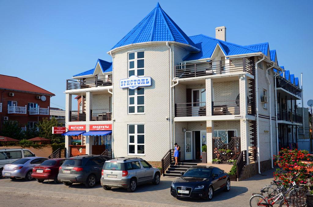 фасад отеля Бристоль Вид с моря