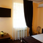 полу люкс отеля Бердянск